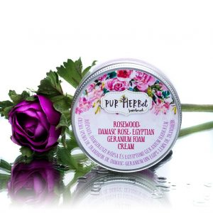 crema spuma naturala cu ulei de trandafir